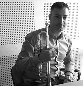 Foto profesor trompeta Banda Bellreguard, escuela de música cerca de Gandía y Oliva