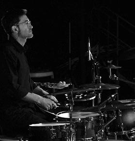 Enrique Jerónimo, profesor de percusión en la escuela de música de Bellreguard (La Safor)